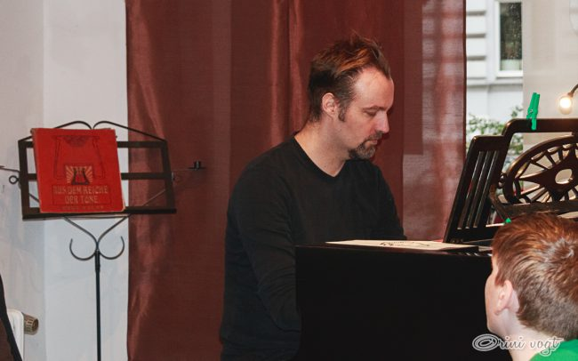 Pianist 8